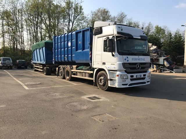 camion fermetal per il trasporto rifiuti