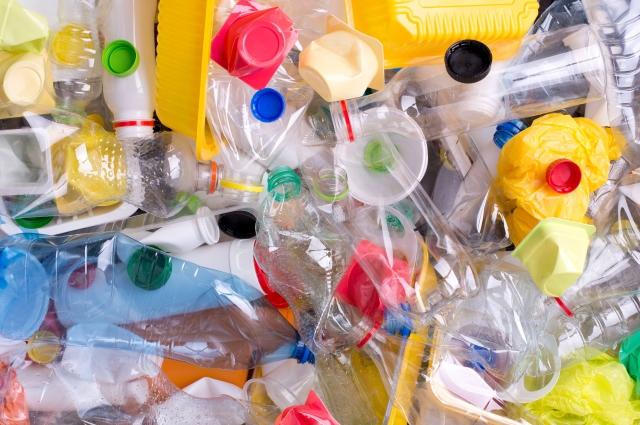 raccolta materiali di recupero plastica